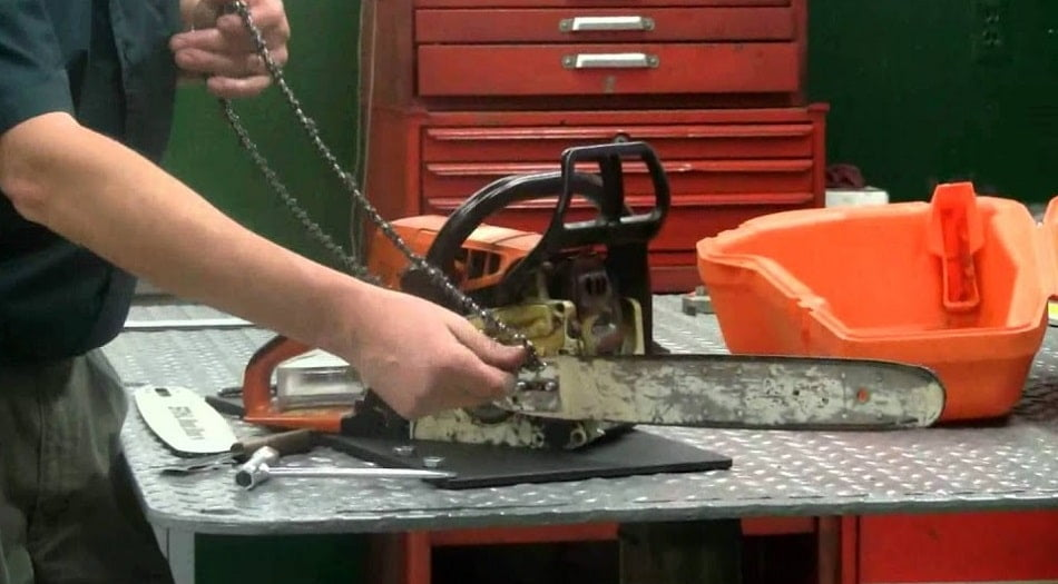 how to replace the chain