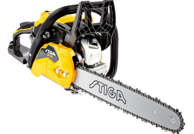 how much does a chainsaw weigh