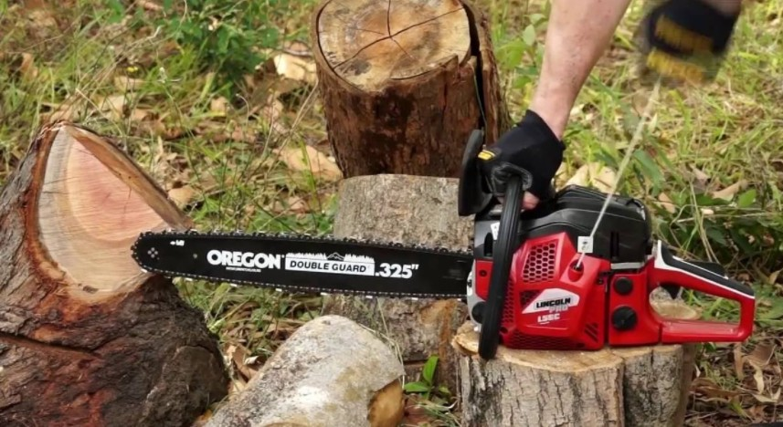 chainsaw not cutting straight