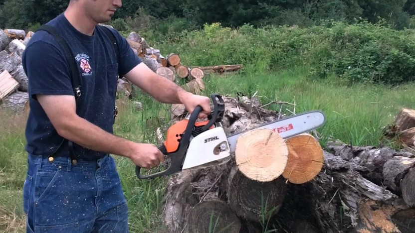 how to split firewood with a chainsaw